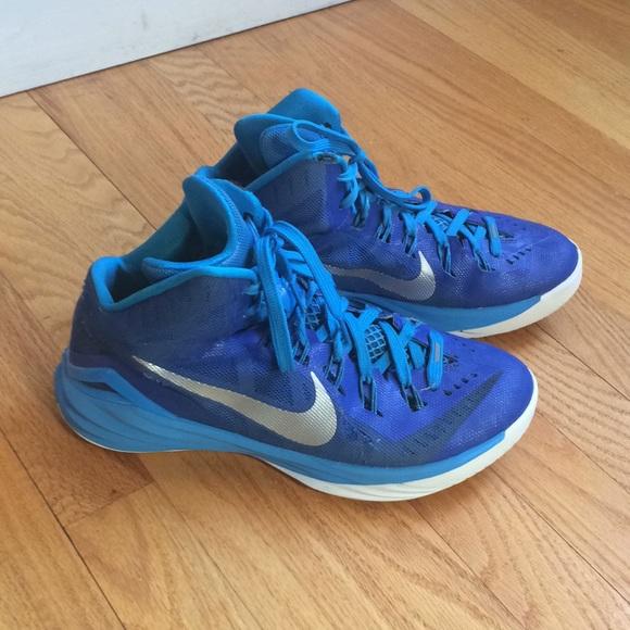 nike basketball shoes womens